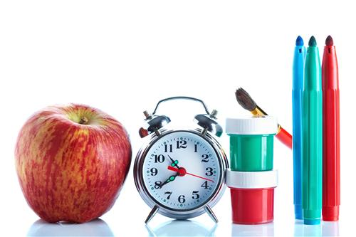 clock with apple